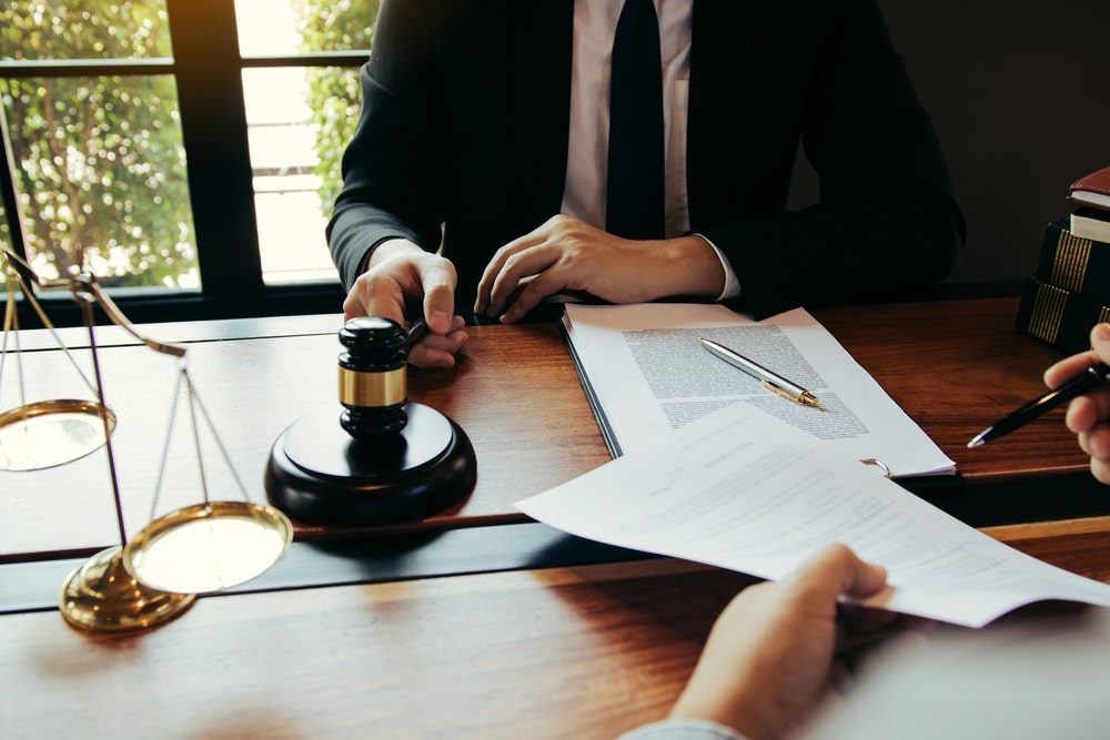 What to expect during initial criminal case consultation with a lawyer