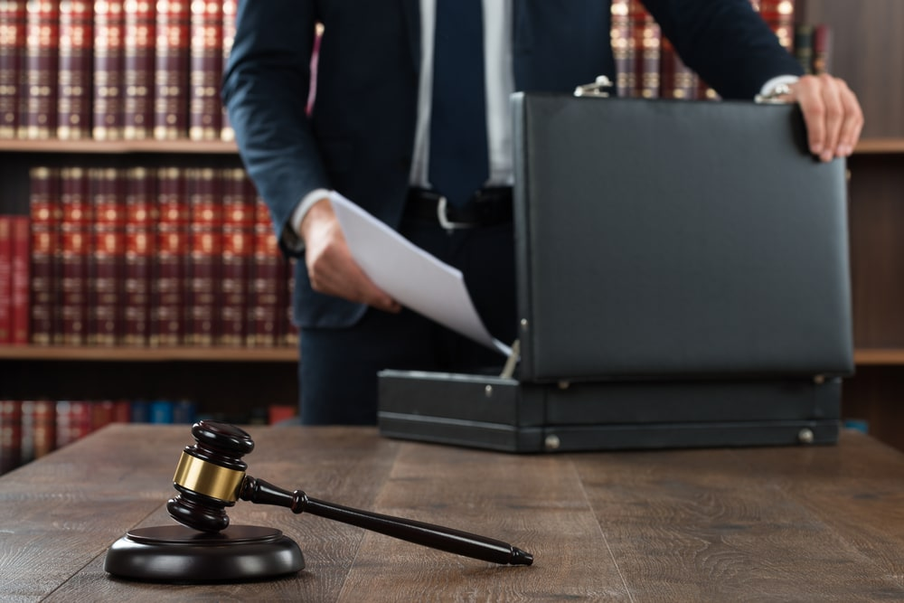 How much do criminal lawyers cost
